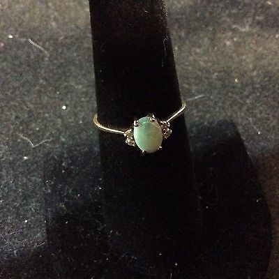 VINTAGE 10K YELLOW GOLD OPAL AND DIAMOND RING SIZE 7