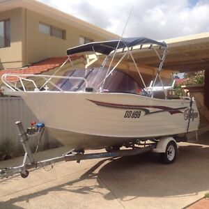 TRAILCRAFT 5m FREESTYLE RUNABOUT