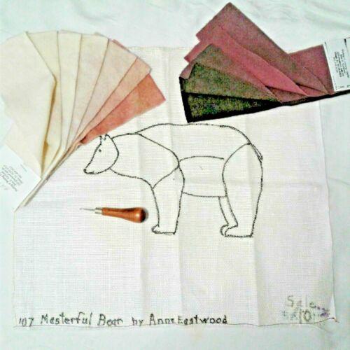 A POLAR BEAR (KIT) RUG HOOKING PATTERN + HOOK + WOOL + BLEACHED LINEN 15 X 15 IN