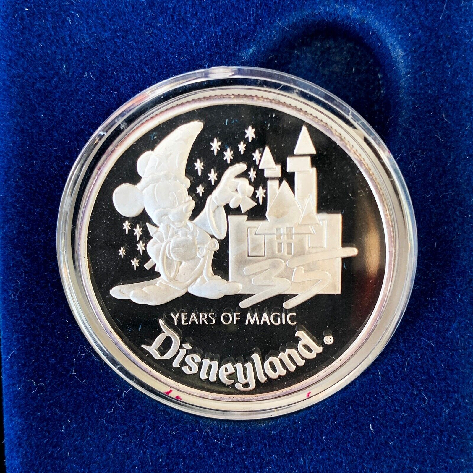1990 Disneyland 35 Years Of Magic 1 Troy Ounce .999 Fine Silver Coin With COA - $49.00