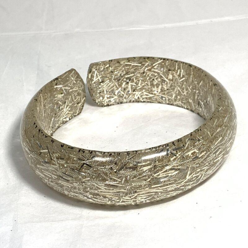 VINTAGE Clear LUCITE Cuff Bangle BRACELET Silver TINSEL Glitter Confetti