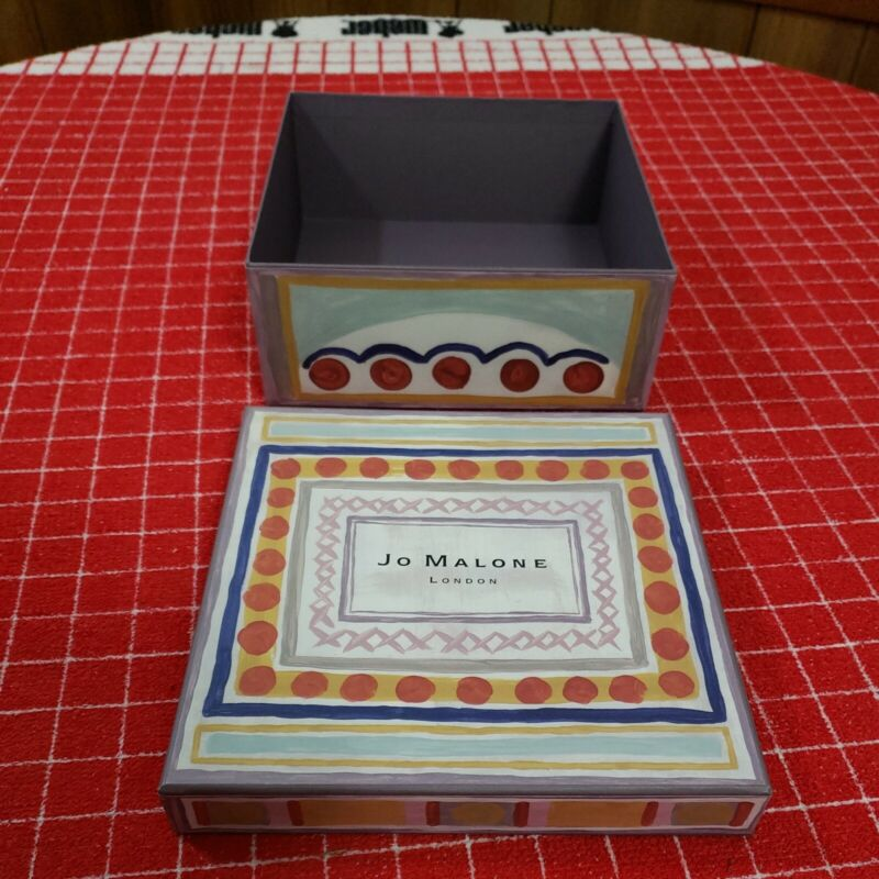 JO MALONE LONDON EMPTY GIFT BOX With Lid Nice Size Great Artwork and Color
