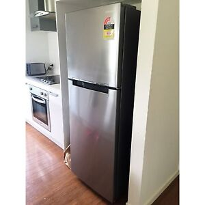 SAMSUNG FRIDGE/FREEZER - Coorparoo Coorparoo Brisbane South East Preview