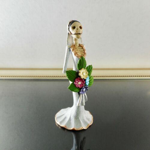 Mexican Catrina Bride Day of the Dead Figurine Handmade Painted Clay Folk Art
