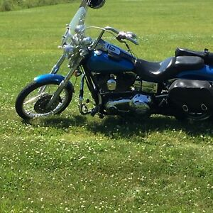 Looking to sell my Harley Davidson 2006 Dyna Wide Glide FX