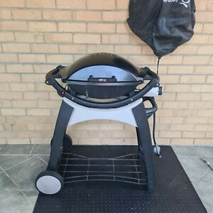 Refurbished Weber Q200 with stand