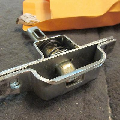 NOS 1983 - 1986 FORD F150 F250 F350 TAILGATE LATCH ASSEMBLY E3TZ-99431D76-D NOS