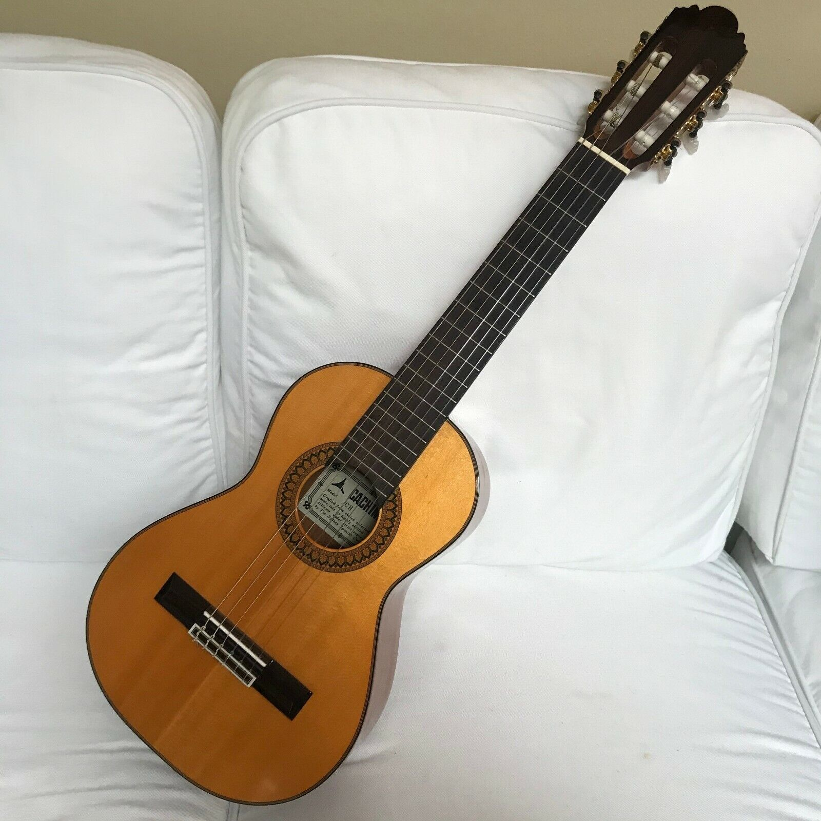 Cachimba Australian Guitar Wooden Model CH With Case - $142.00