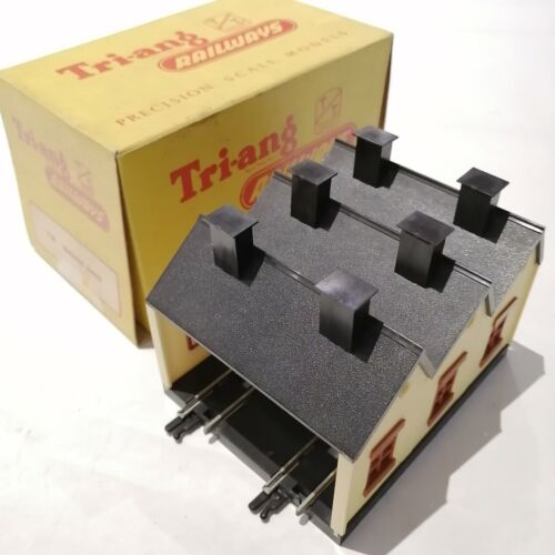 Tri-ang - T.28 Engine Shed - TT