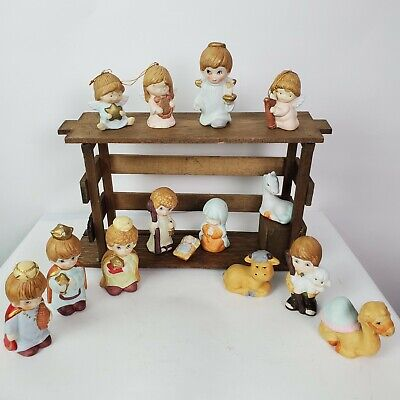Vintage 15 Pc Children's Nativity Scene Porcelain Figures & Musical Wood Stable