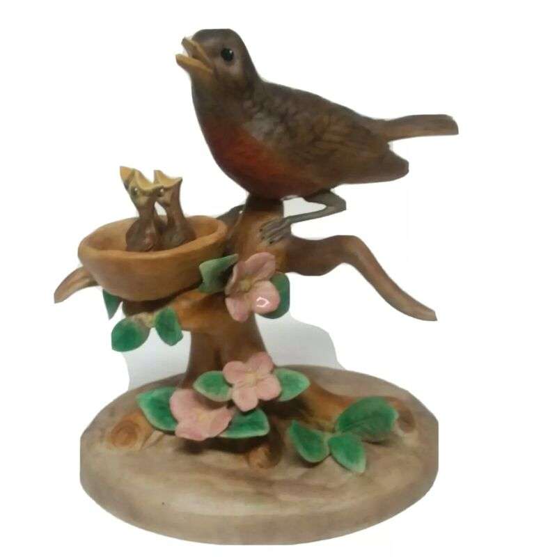 Vintage Robin Mamma Bird with Babies in Nest Ceramic Figurine