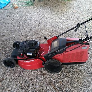 Self Propelled! Gardenline Gladiator Briggs Stratton 140cc Mower