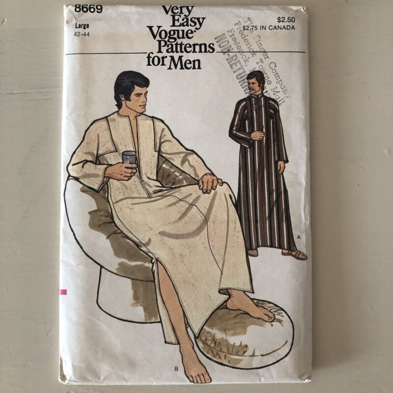 Vintage, Vogue Sewing Pattern-8669, Mens, Size Large 42-44