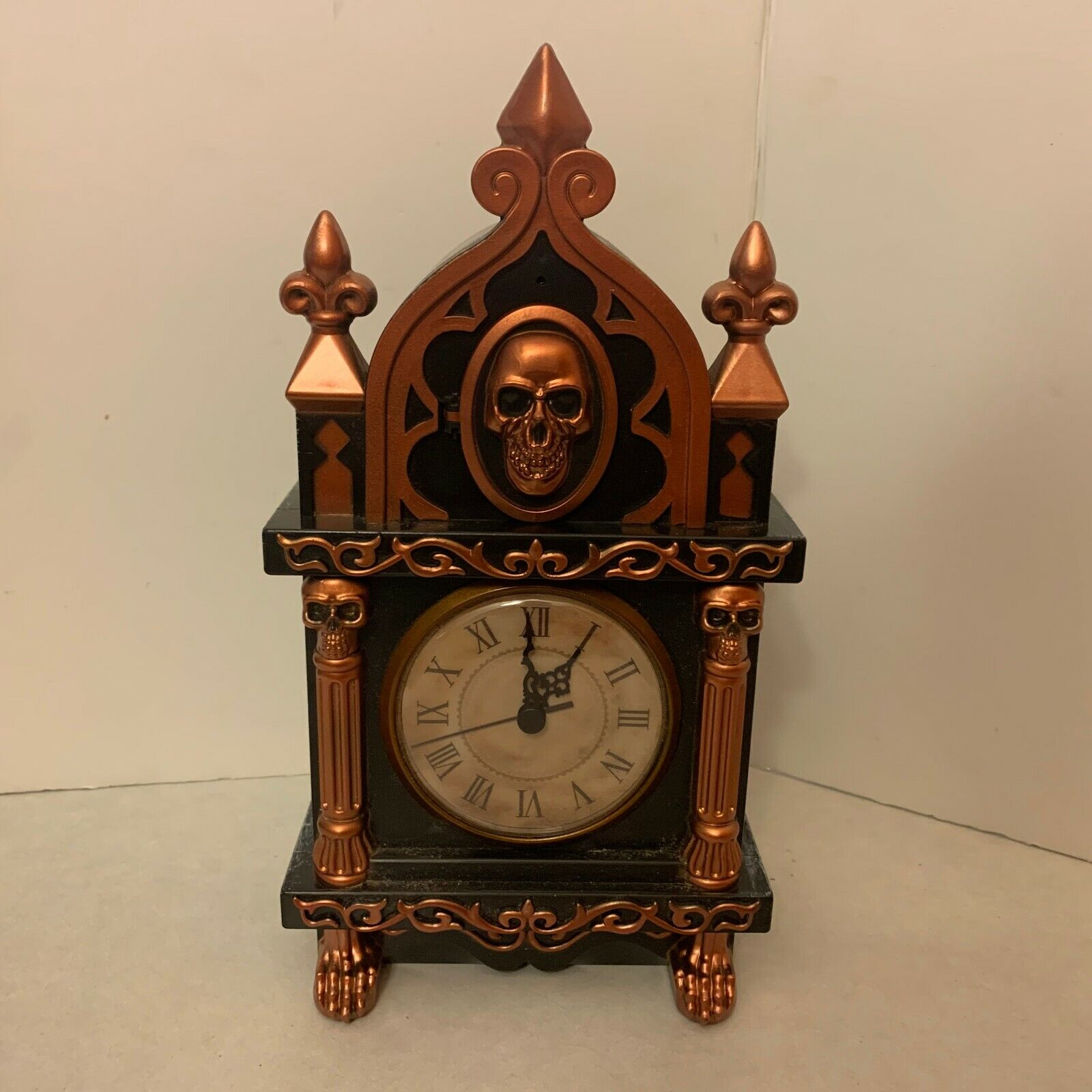 Hyde and Eek! Halloween - Haunted Raven Clock - Sound Activated Antique Style