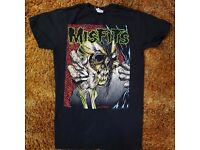 NEW MISFITS MIDDLE FINGER FLIPPING OFF GREEN LOGO GOTHIC PUNK ROCK T SHIRT