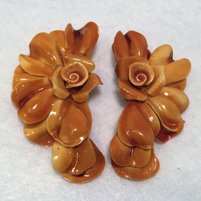VINTAGE EARLY PLASTIC LARGE OVER THE TOP CELLULOID LAYERED FLOWER CLIP EARRINGS!