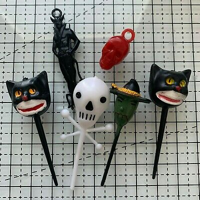 VINTAGE LOT OF 6 HALLOWEEN CUPCAKE PICKS TOPPERS & CHARMS