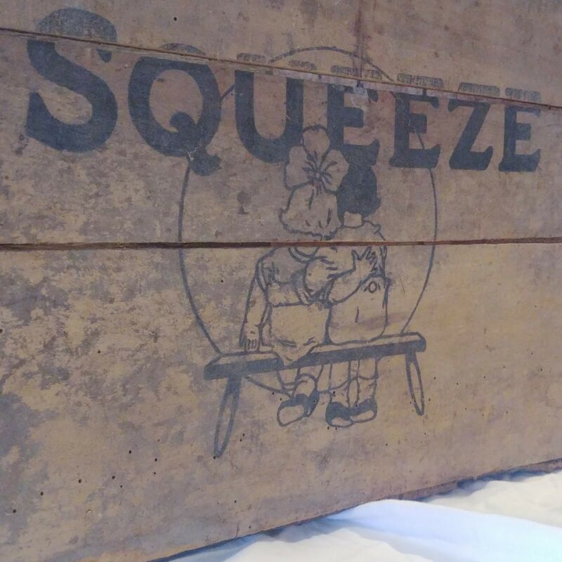 Squeeze soda Wooden Crate