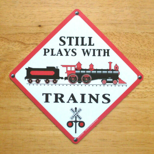 * Magnet * STILL PLAYS with Trains * Locomotive Engine* Made in USA *