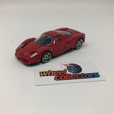Enzo Ferrari * Hot Wheels Diorama LOOSE 1:64 * F1640