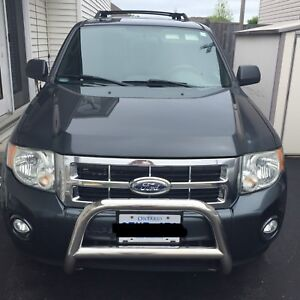 Ford Escape XTL - Certified - LOW KMS!