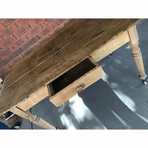 Antique table Endeavour Hills Casey Area Preview