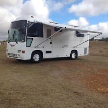 1989 Hino Rainbow Motorhome built for two Grantham Lockyer Valley Preview