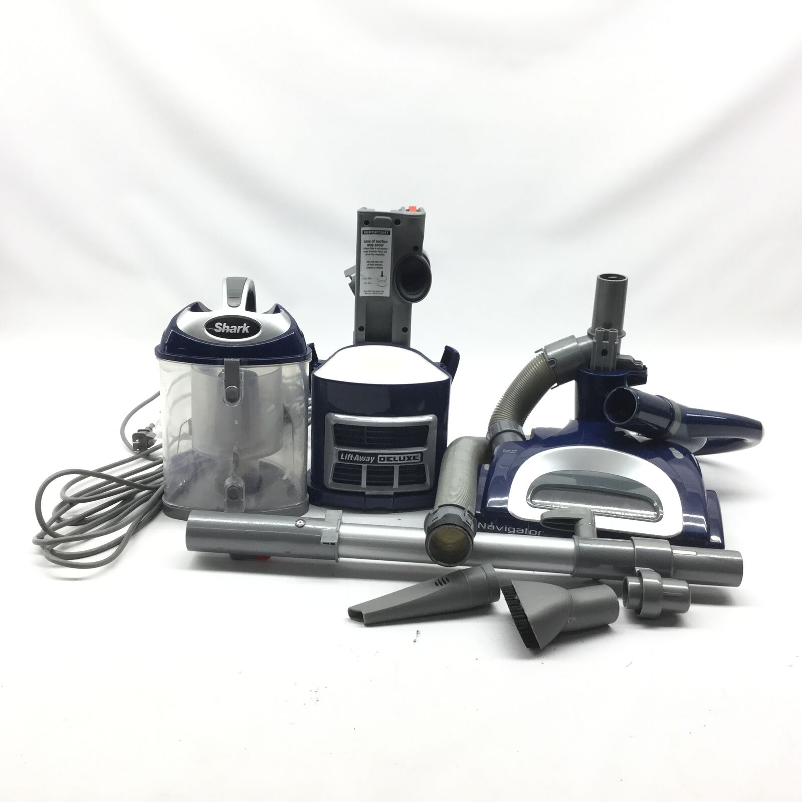 shark-navigator-lift-away-deluxe-nv360-upright-vacuum-blue