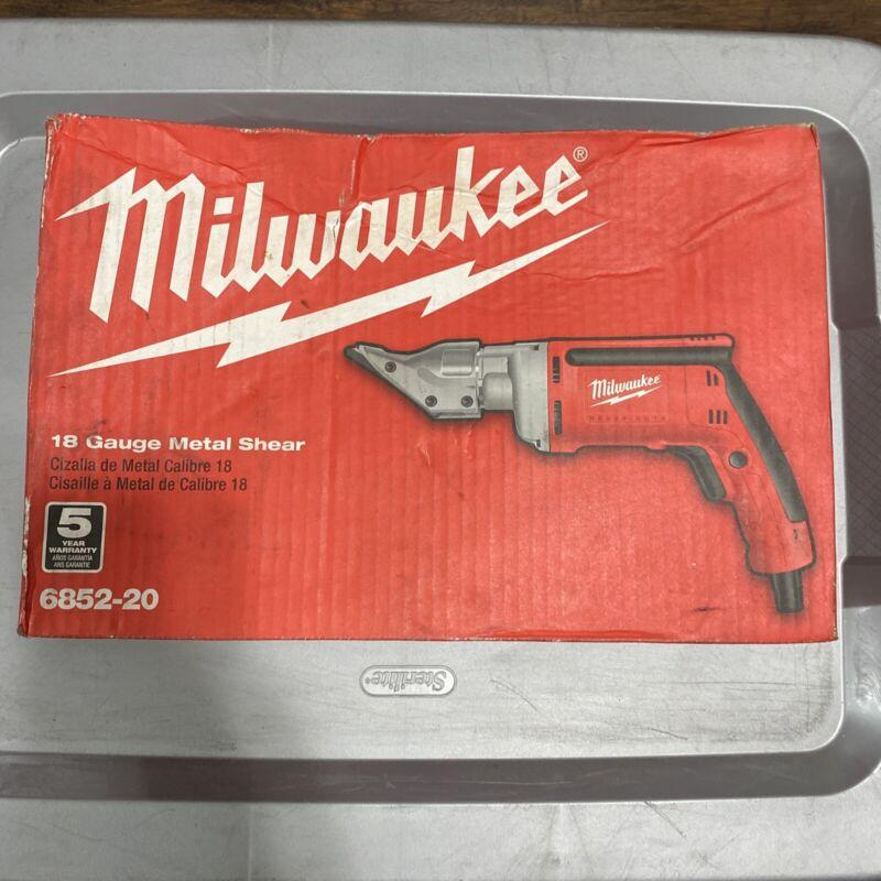 Milwaukee 6852-20- 18 Gauge Metal Shear
