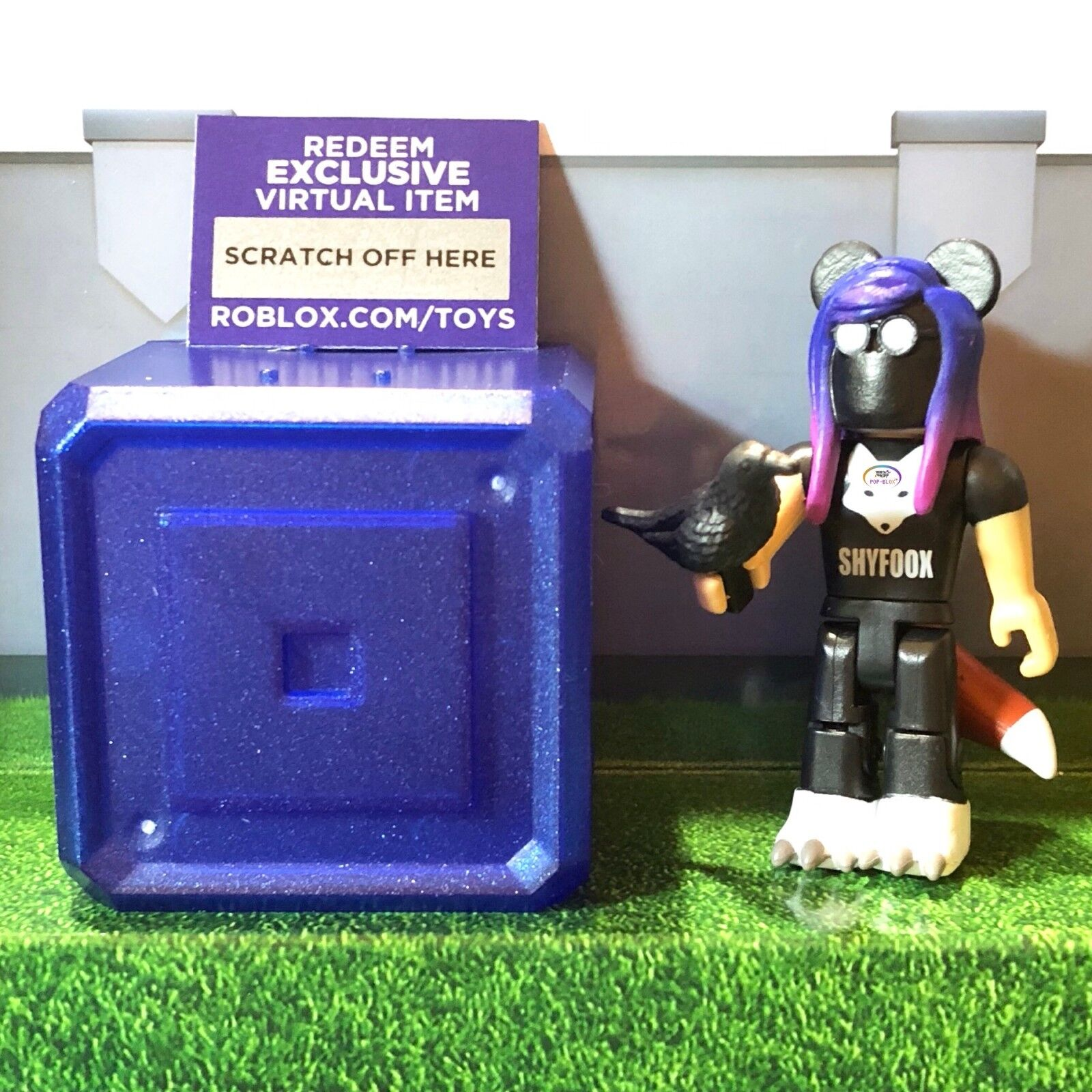 Headless Horseman Package Roblox For Free Now Roblox Toys Series 3