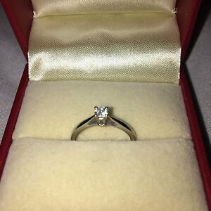 Perfect Valentine's Present - White Gold Diamond Ring Bicton Melville Area Preview
