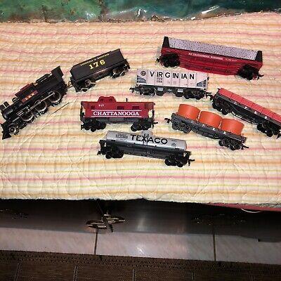 8 piece (HO) Train Set perfect for Christmas Village