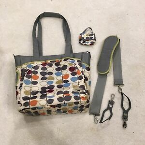 JJ Cole Mode Diaper Tote Bag & pacifier pod (Mixed Leaf print)