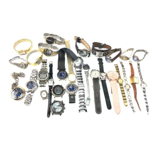 Large wristwatch lot including mens and womens