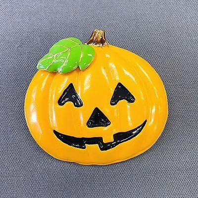 Happy Halloween Pumpkin Designs (Gold Finished Happy Halloween Smile Pumpkin Design Shape Pin Catch)