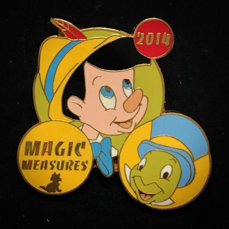 LE Pinocchio Jiminy Cricket Magic Measures Cast Travel Award 2014 Disney Pin
