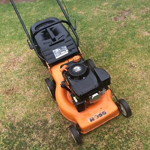 Ross 4 stroke lawn mower good blades starts first pull Wantirna South Knox Area Preview