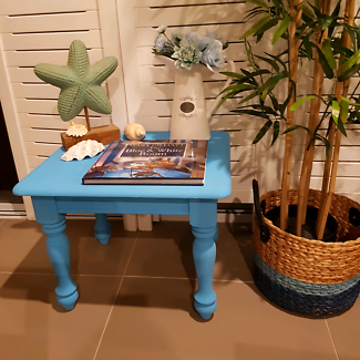 Beachy coffee table in great condition