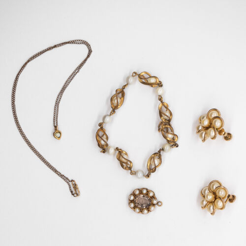 VINTAGE ANTIQUE GOLD FILLED PEARL SET PENDANT BRACELET EARRINGS NECKLACE