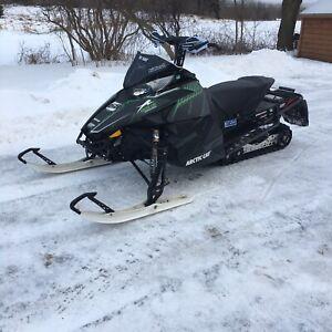 Arctic cat f800 sno pro sx snowmobile sled trail fast