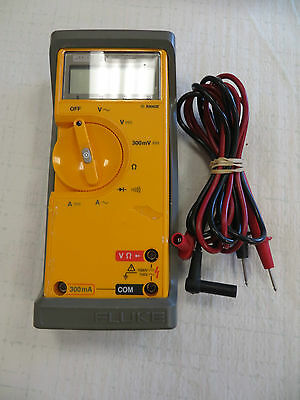 Fluke 21 Multimeter With Belt Case