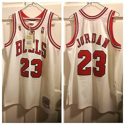 Michael Jordan Chicago Bulls NBA Mitchell   Ness throwback basketball jersey 831dcdde4