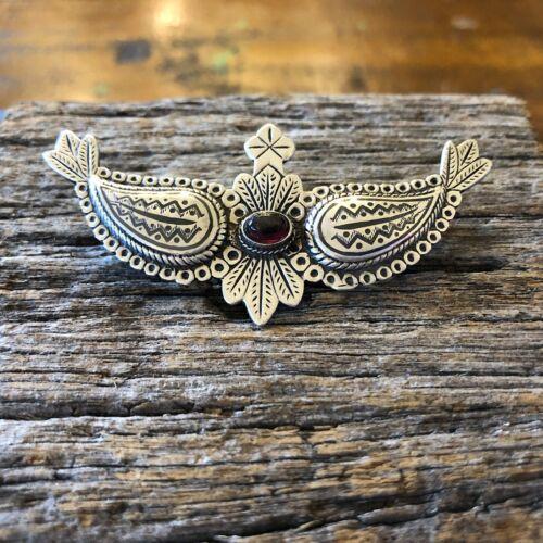Victorian Garnet Solid Silver Decorative Etched Wings Brooch English Hallmarks