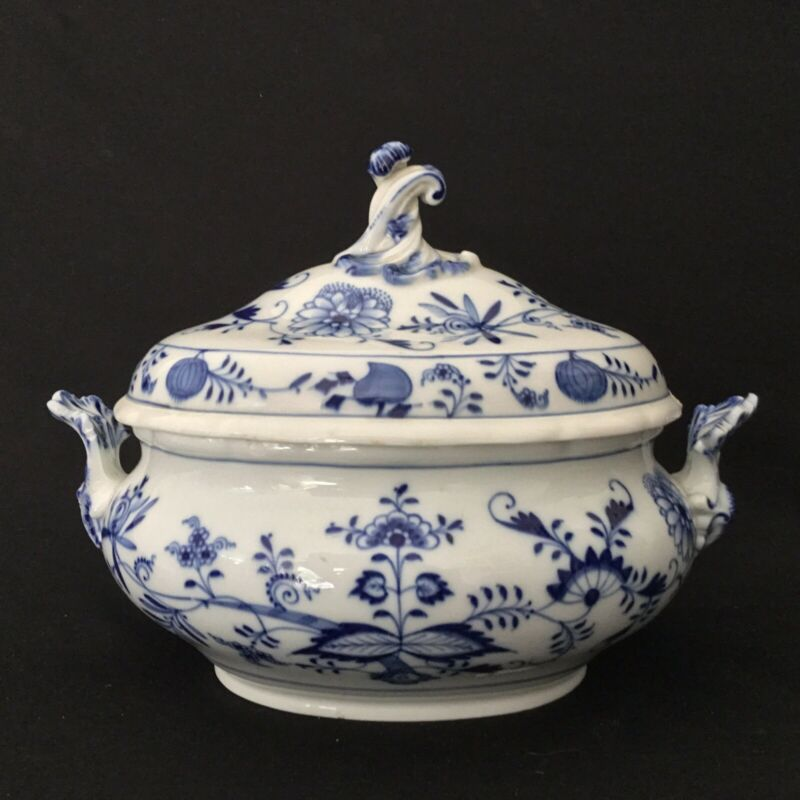 Meissen Vintage Soup Tureen Blue and White
