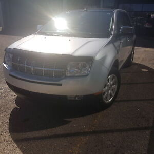 2010 Lincoln MKX loaded nav roof Reduced
