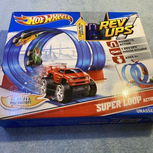 2010 Mattel Hot Wheels Rev Ups Super Loop Action Set - $19.00