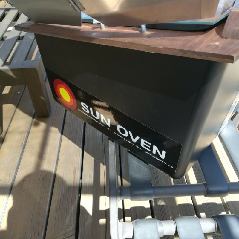 GLOBAL SUN OVEN - ULTIMATE SOLAR OVEN