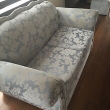 4 piece Antique couches Meadow Heights Hume Area Preview