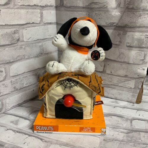 Peanuts Snoopy Haunted Doghouse SEE VIDEO Vintage Halloween Lighted Animated