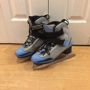 Ladies soft Side Ice Skates Sz 7